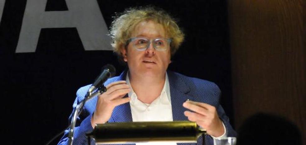 Luis Artigue: «Vivimos en la dictadura de lo completo, pero lo humano es irregular»
