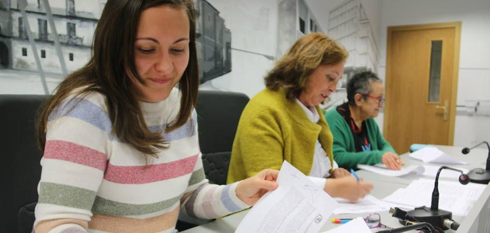 Isadora Duncan y el Ayuntamiento firman un convenio para combatir «una crisis que se ha hecho crónica»