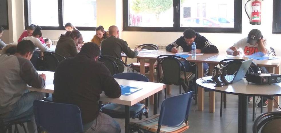 La Federación de Centros Juveniles Don Bosco continúa realizando su Programa de Formación en Competencias Básicas