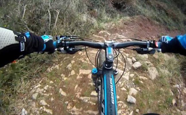 Rescatan en Valdefrancos a dos ciclistas que se perdieron en el monte mientras practicaban BTT