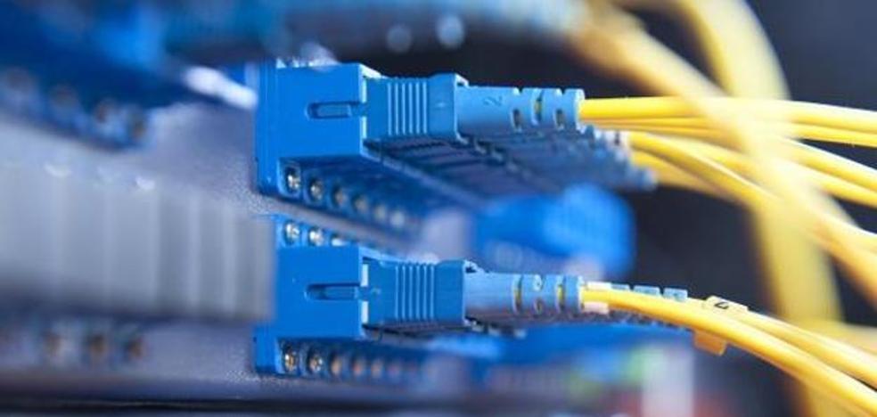 Teléfonica invertirá 200.000 euros en instalar fibra óptica en Santa María del Páramo