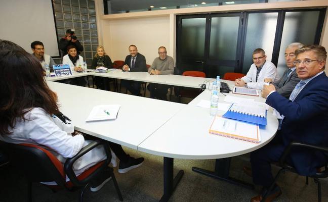 Sacyl reconoce que hay que agilizar las pruebas diagnósticas y consultas externas en el Hospital del Bierzo