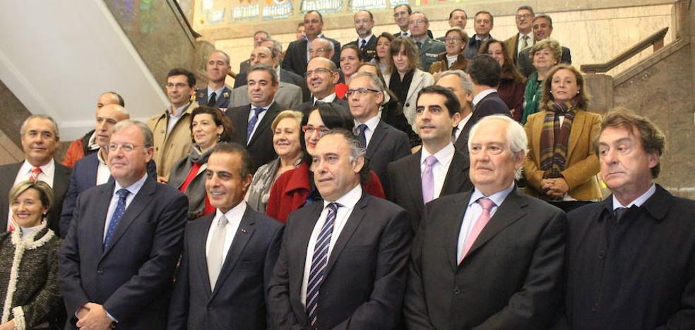 León invita a Catar a ampliar su apuesta por la capital con el «éxito» de Aspire como ejemplo
