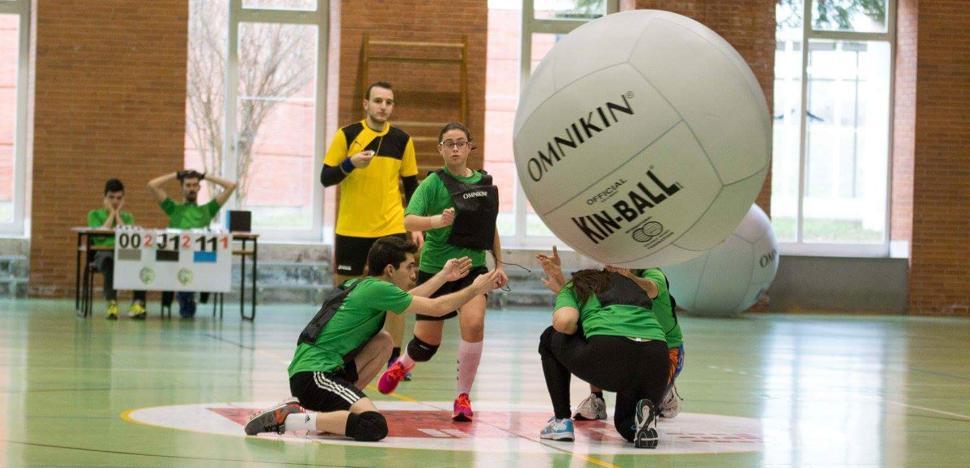 El equipo de kin-ball de la ULE participa en el I Campeonato Nacional