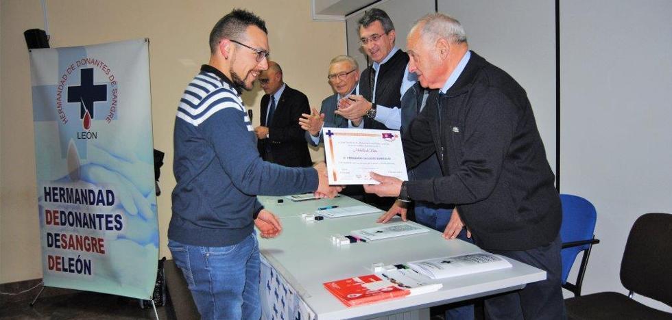 Valencia de Don Juan acoge la asamblea comarcal de donantes de sangre