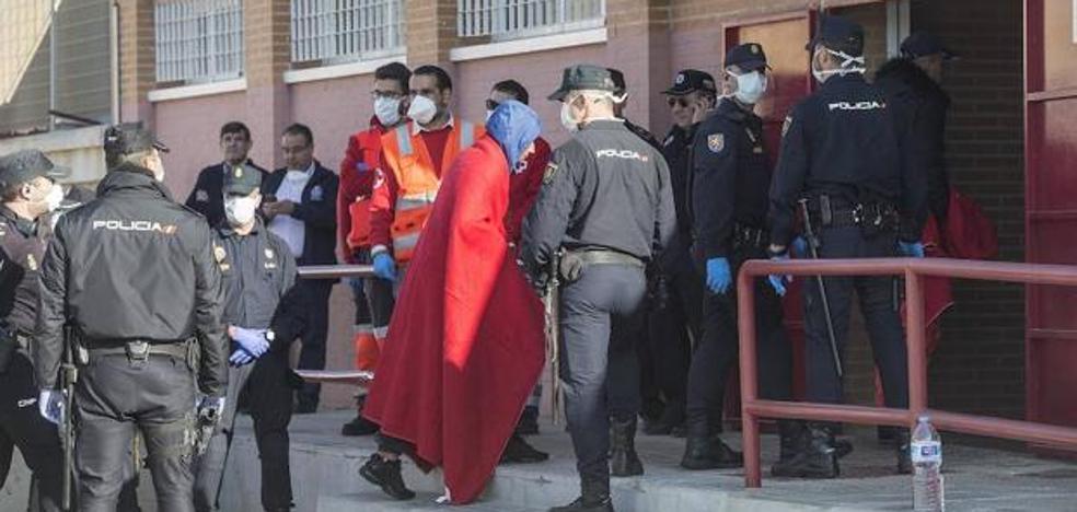 Casi medio millar de inmigrantes llegan a Murcia en menos de 24 horas