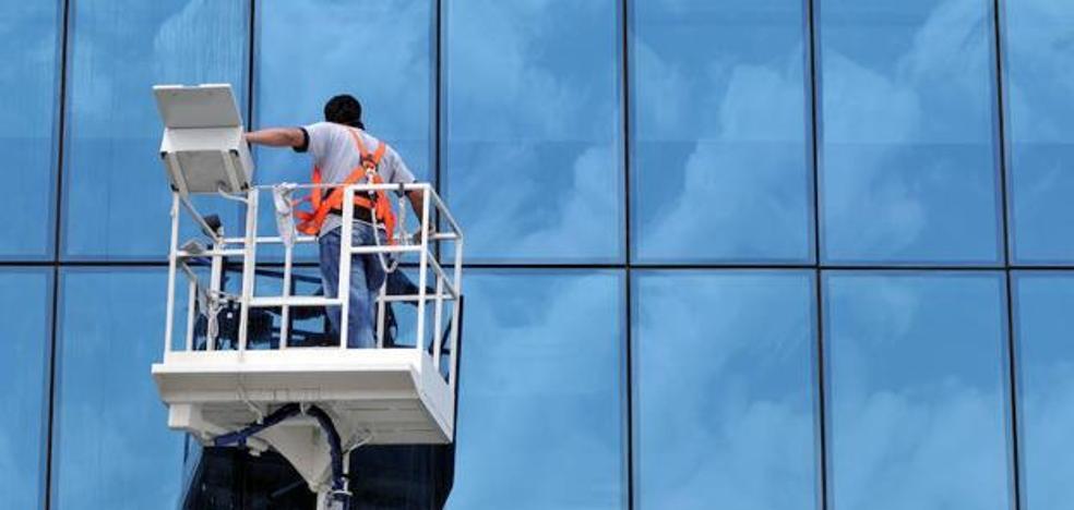 Patronal y sindicatos se volverán a reunir para intentar llegar a un acuerdo de convenio para la limpieza de edificios