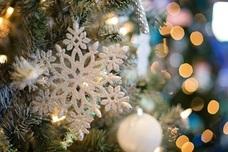 Iluminación navideña y sopas de ajo para recibir la Navidad en E. Leclerc
