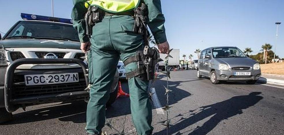 Tirotean a guardias civiles de León en la persecución de un camión de vino robado en Onzonilla