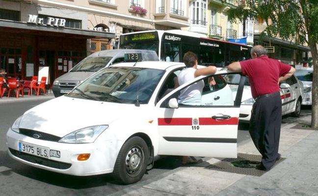 Los taxistas leoneses no secundarán el paro de 24 horas el día 29 «por el bien del usuario»