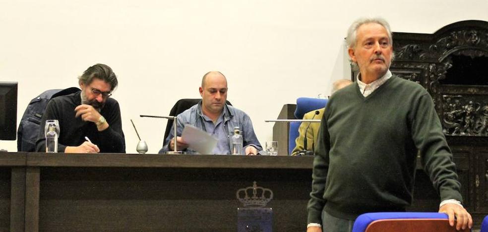 El 'Filandón de Don Justo' llena de historias y relatos el Campus de Vegazana
