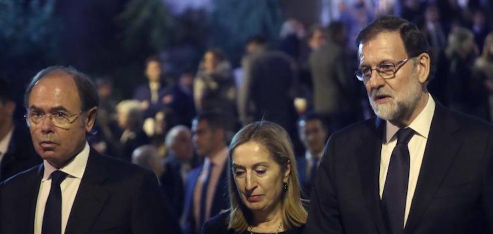 Rajoy y las autoridades del Estado acuden al funeral por Maza, al que también asiste el jefe de los Mossos d'Esquadra