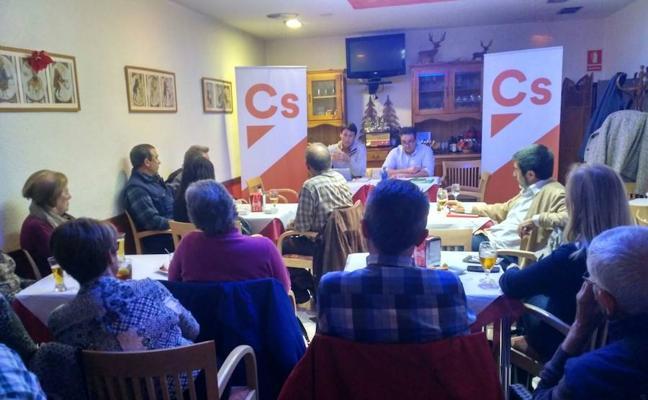 Ciudadanos hace equipo en Cistierna conociendo las necesidades de los vecinos del municipio