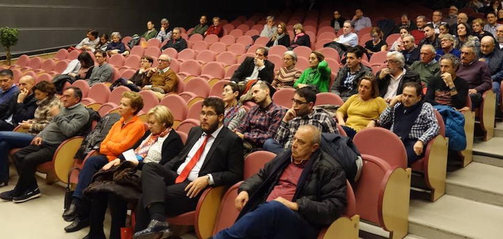 Diez enmienda la ponencia marco del Congreso del PSOE leonés para introducir los ejes de su programa de acción