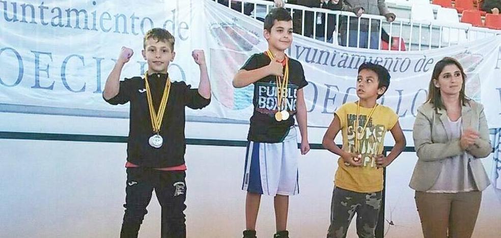 Dani Bueno Jr. logra dos medallas de oro en el Campeonato de España de Boxeo infantil