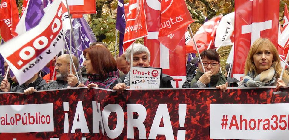 Los empleados públicos de León reclaman al Gobierno su «deuda pendiente» y mejoras salariales