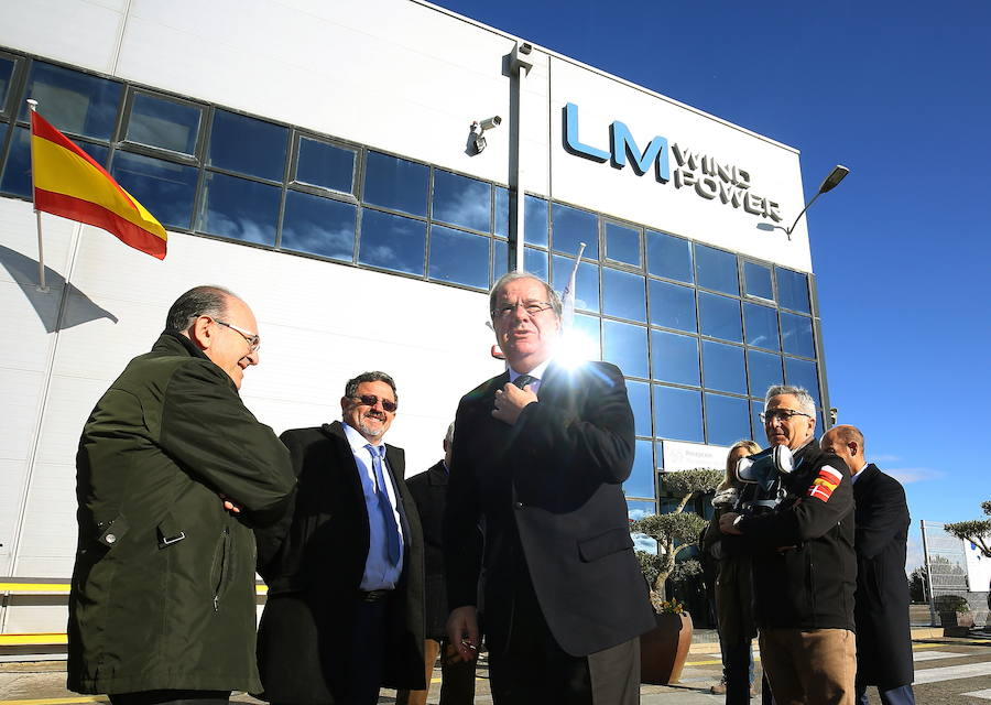 Herrera visita LM Wind Power