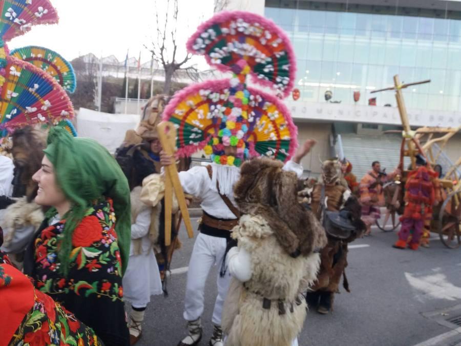Imagenes del carnaval de la provincia en Portugal