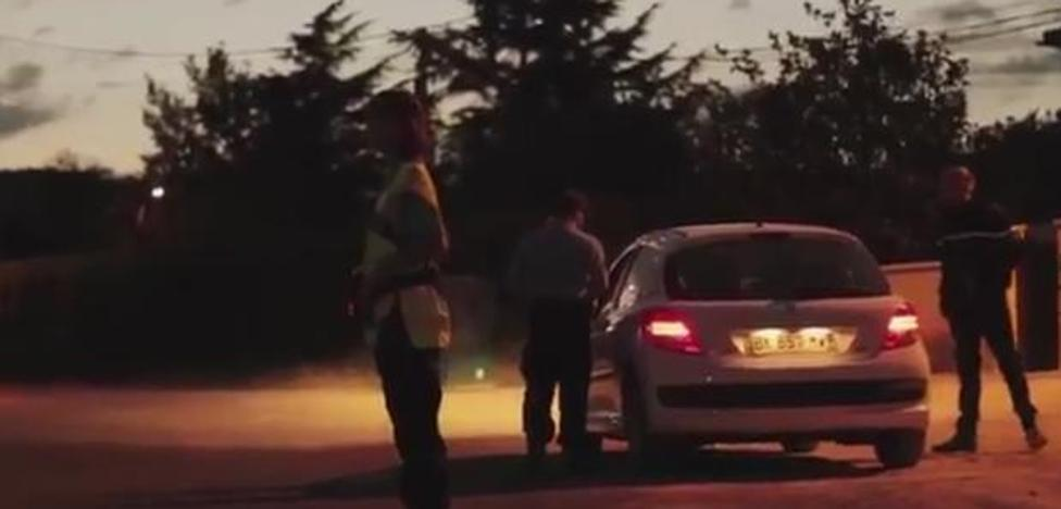 El impactante vídeo que te quitará de la cabeza la idea de avisar de un control policial