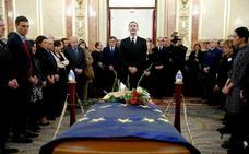 El Rey despide a Manuel Marín en su capilla ardiente