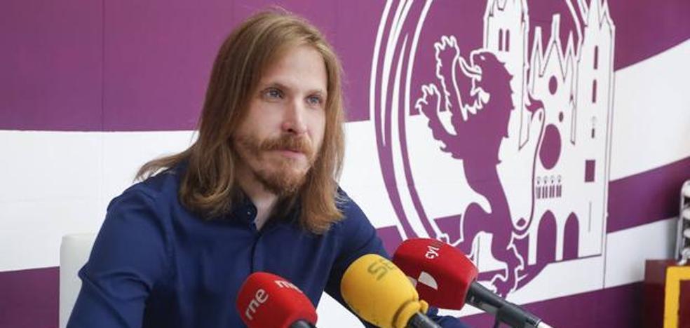 Pablo Fernández aboga por una Constitución que recupere los consensos rotos por los «partidos del turno»