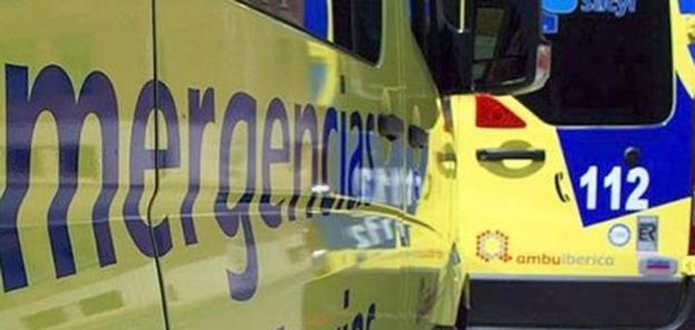 Intoxicado un octogenario por humo en el incendio de una vivienda en Ponferrada