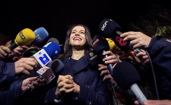 Ciudadanos 'ficha' a Manuel Valls y Vargas Llosa para el 21-D