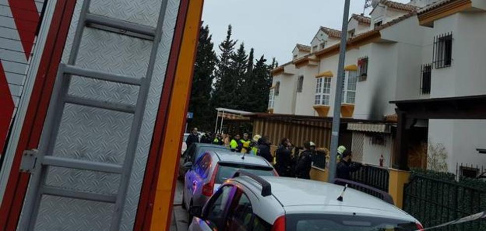 Un muerto y dos heridos en el incendio de una vivienda en Málaga