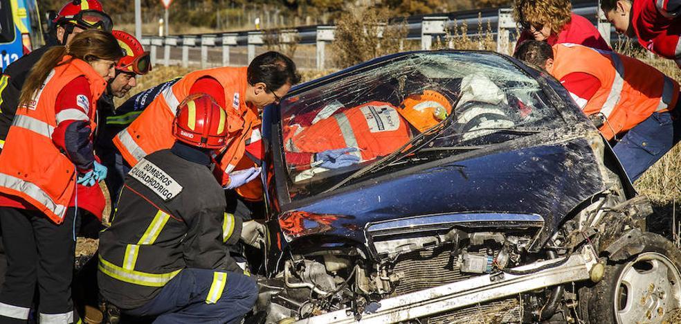 Un fallecido y diecinueve heridos en nueve accidentes durante el puente en Castilla y León