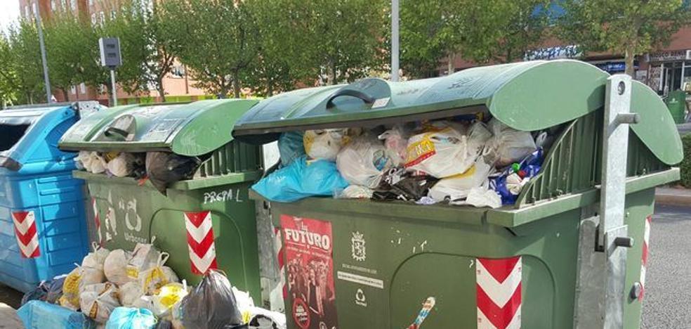 La plantilla de limpieza viaria y recogida de basuras en León capital convocan una huelga en Navidad