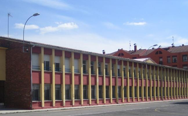 La Robla entrega más de 7.000 euros en ayudas a la adquisición de libros y al material escolar