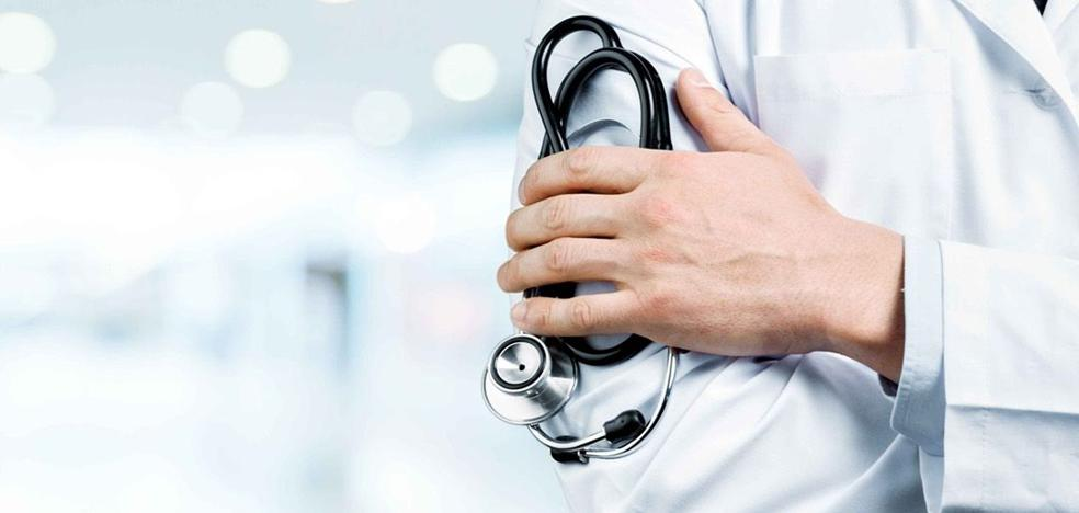 La Junta plantea obligar a los MIR a permanecer «unos años» en el sistema público sanitario