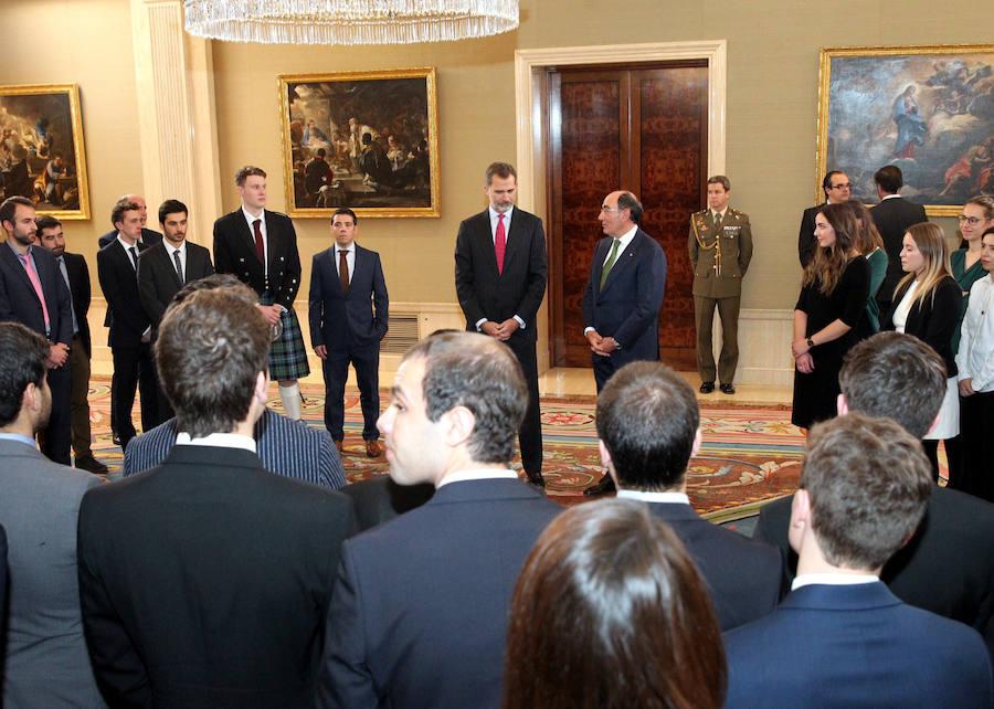 El Rey Felipe VI recibe a los ganadores de las Becas Iberdrola