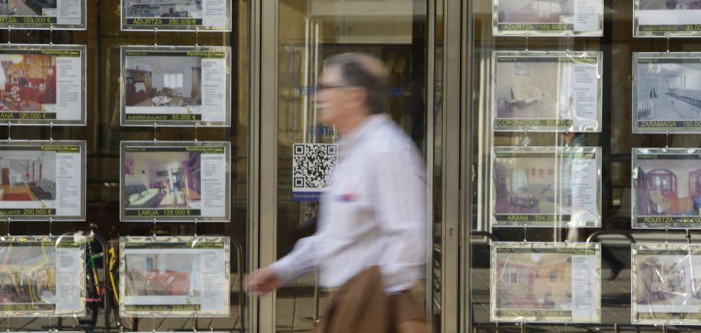 La compraventa de viviendas crece en León un 30% en octubre con 230 transacciones