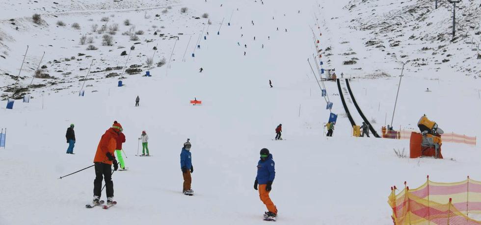 La falta de nieve obliga a cerrar Leitariegos y la oferta de San Isidro se reduce a dos kilómetros