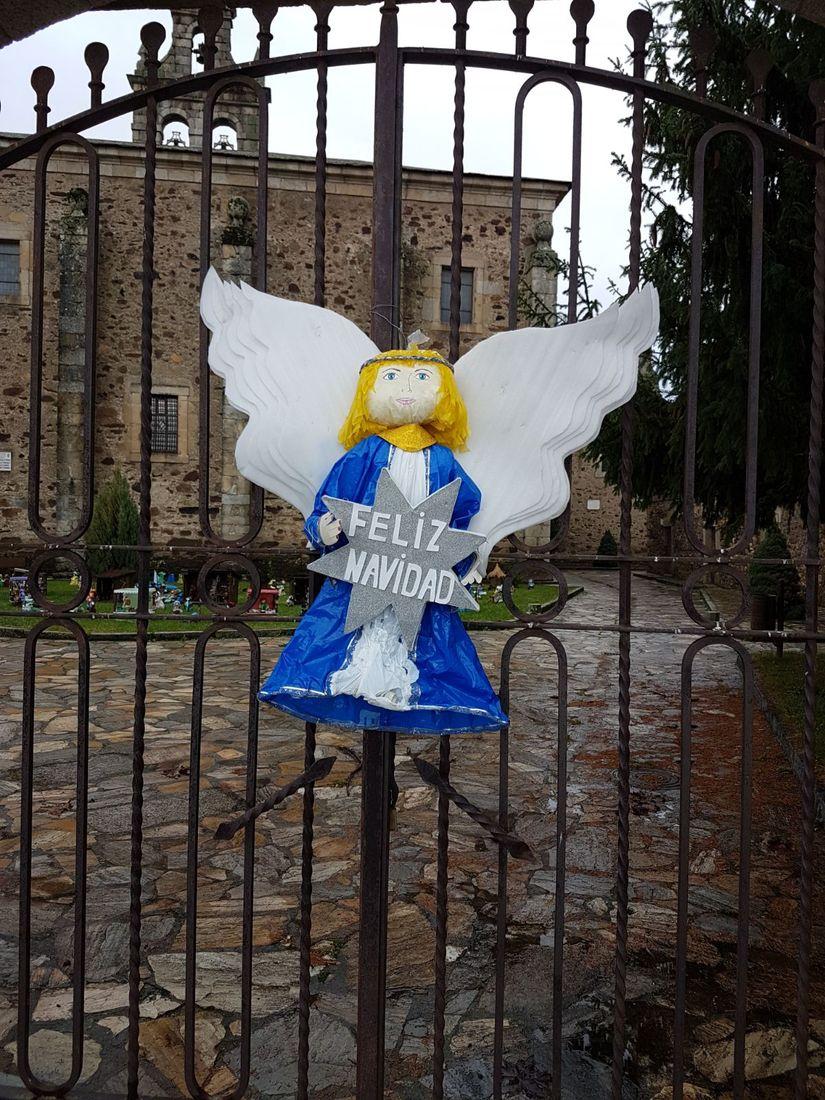 San Miguel de las Dueñas muestra su belén artesano