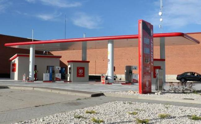 Ugal-UPA logra 16.000 firmas para instar a las Cortes a modificar la normativa de estaciones de servicio