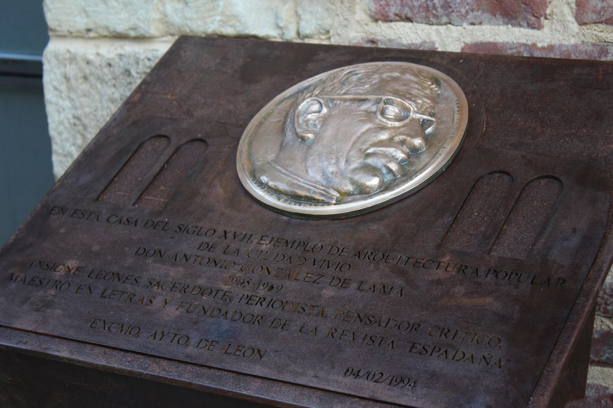 El homenaje a González de Lama