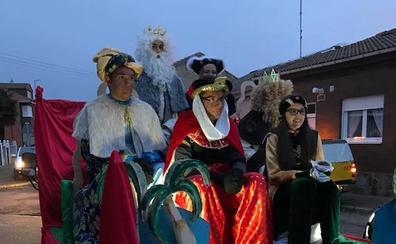 Los Magos de Oriente hacen en Hospital de Órbibo un alto en su camino