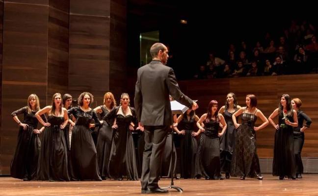 El coro CantArte canta a los Reyes Magos