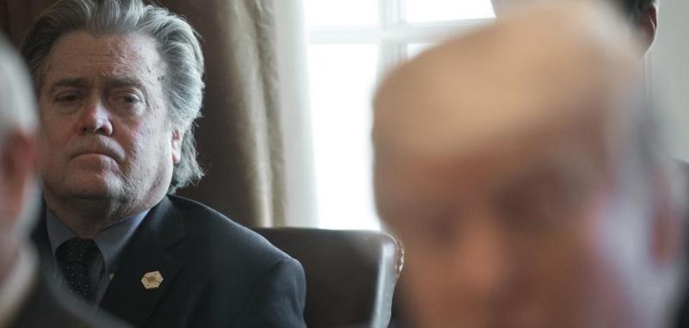 Bannon pide perdón a Trump por no haber respondido antes al polémico libro