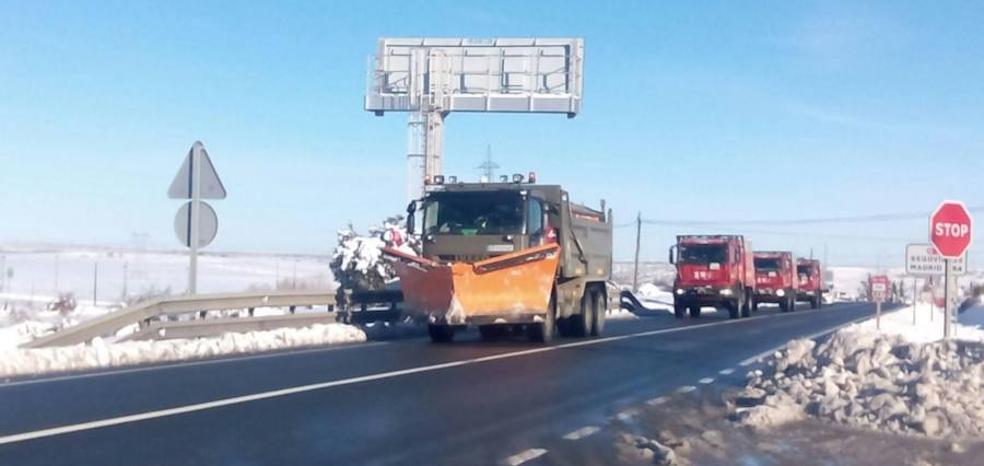 La UME regresa a sus bases tras participar en el rescate de los vehículos atrapados en la AP-6
