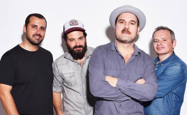 Eladio y los Seres Queridos vuelven al Gran Café de León con su nuevo disco