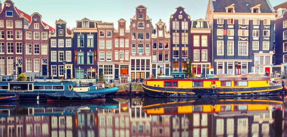 Amsterdam reduce de 60 a 30 días el permiso para alquilar pisos en Airbnb