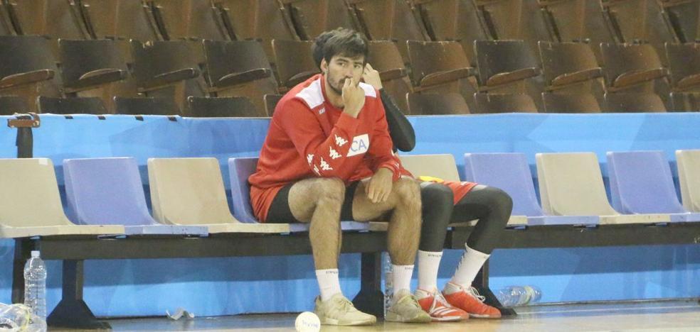 Simonet: «El Ademar quiere contar conmigo y esperaré su oferta»