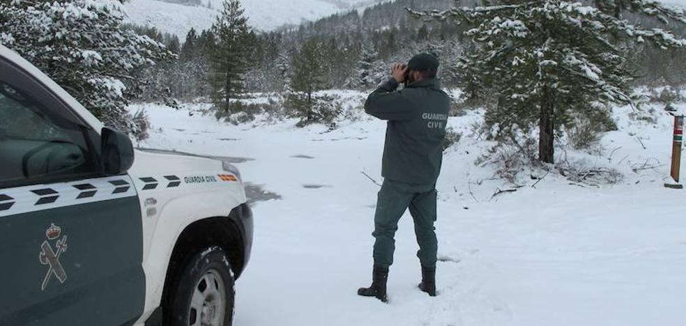 La Guardia Civil rescata a una peregrina desorientada en los montes de El Acebo en Molinaseca