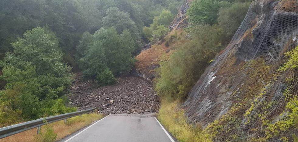 Peñalba reclama formalmente un segundo acceso a la localidad y advierte del «sumo riesgo existente» en la actual carretera