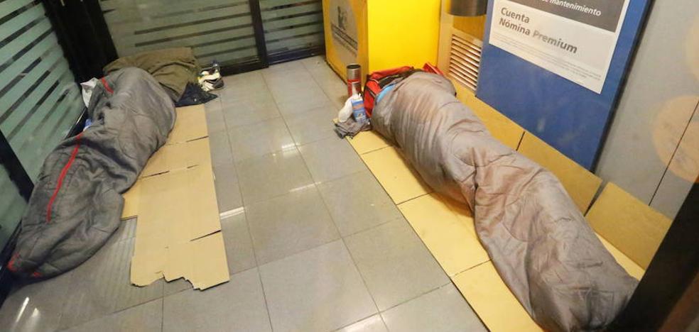 Cruz Roja intensifica su intervención con personas sin hogar ante la bajada de las temperaturas