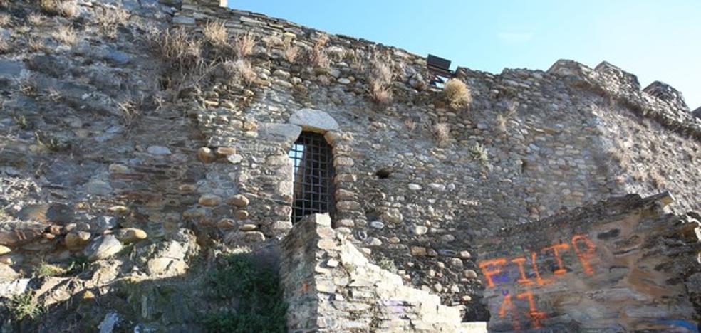 Merayo avanza que la rehabilitación del Castillo Viejo permitirá hacer visitable toda la fortaleza y abrir una nueva salida
