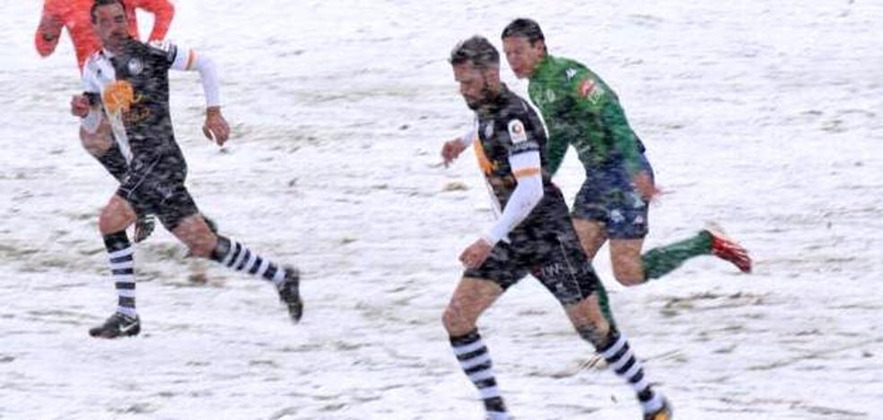 El Astorga quiere sumar la primera victoria del año, si lo permite la nieve